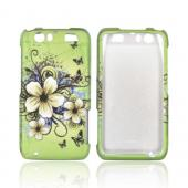 Motorola Atrix HD Rubberized Hard Case - White Hawaiian Flowers on Green